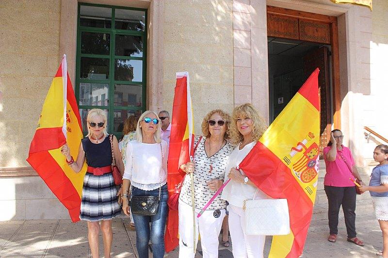 Homenaje a la Bandera de España. Día Fiesta Nacional 2017